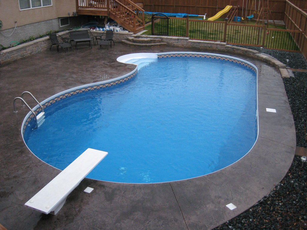 "18' x 34' Flatback Kidney Swimming Pool Kit with 42"" Polymer Walls"