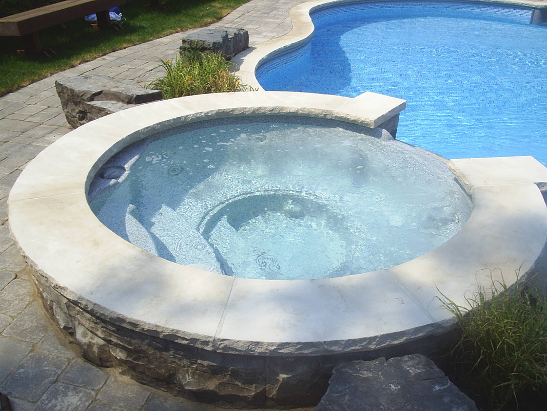 7 Round Cardinal Luxury Spa Royal Swimming Pools