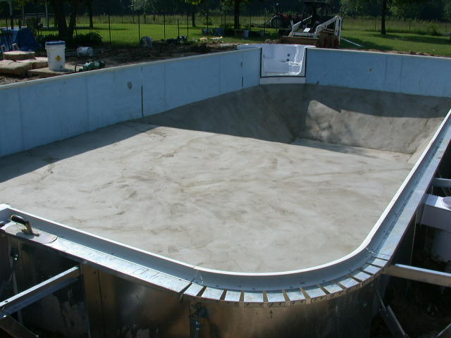 Here are a few vermiculite mixing tips swimming pool blog tips care and installation for Vermiculite swimming pool base