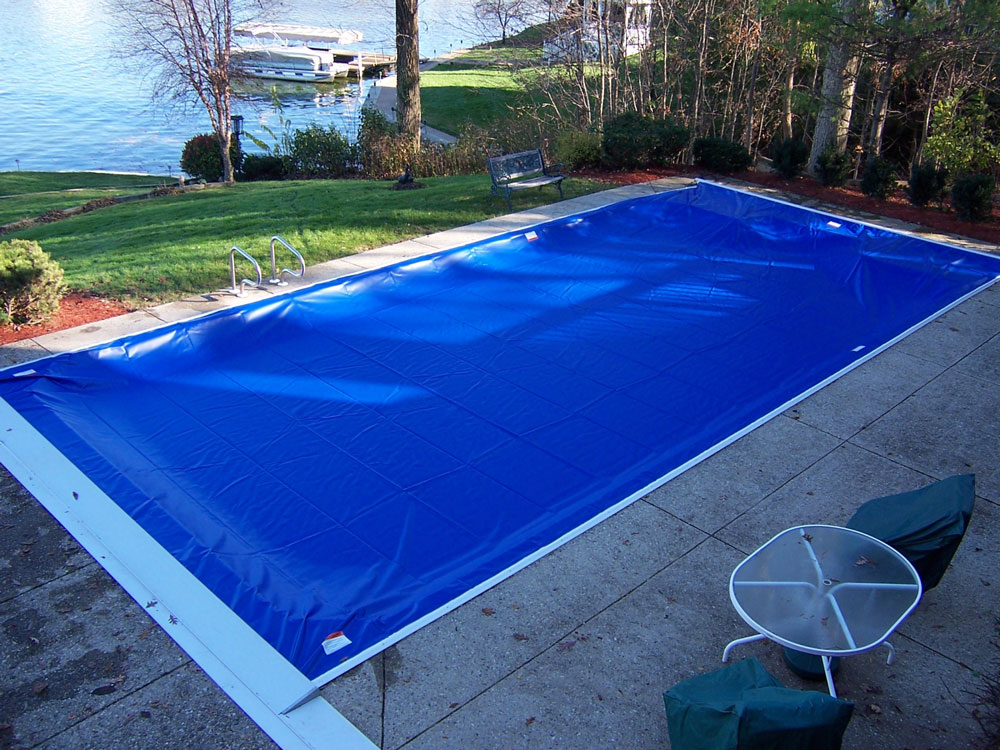 Swimming Pool Coverage : On deck track automatic swimming pool covers