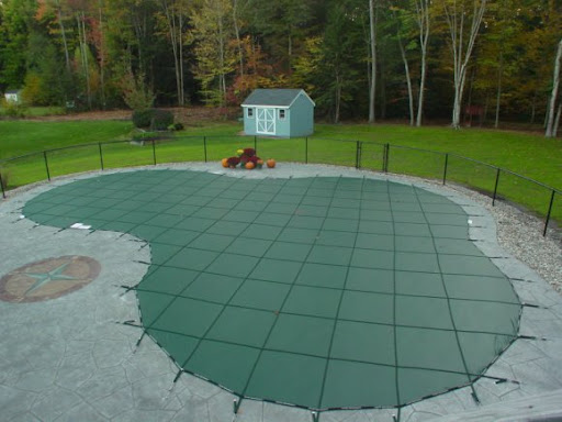 Swimming pool winter covers and accessories for Custom made above ground pools