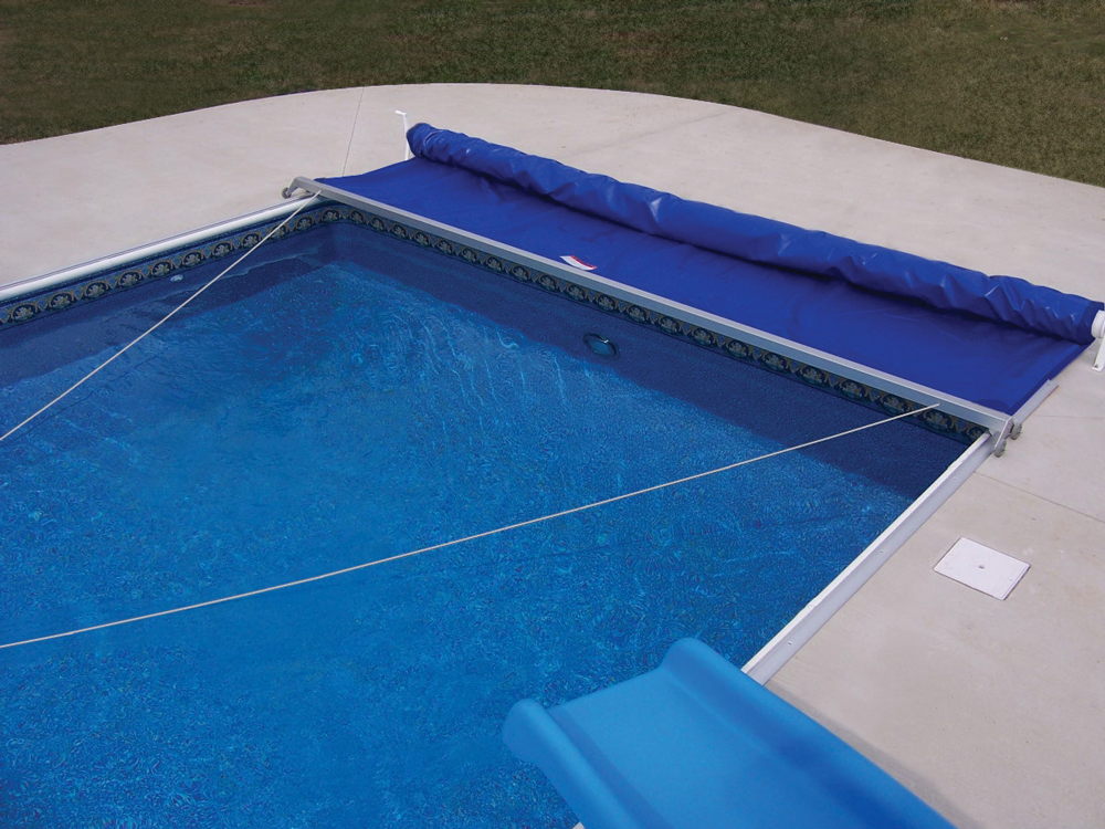 Manual On-Deck Track Automatic Pool Covers